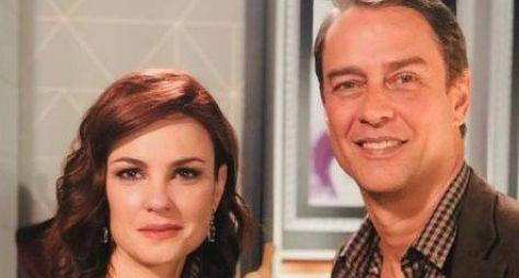 "Carolina Kasting e Marcello Antony comemoram reprise de ""Terra Nostra"""