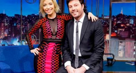 Lucas Veloso e Luiza Possi são os convidados do The Noite