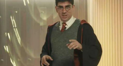 "Marcelo Adnet faz paródia do ""Harry Potter"" no ""Tá no Ar: TV na TV"""