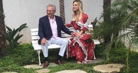 Carlos Alberto de Nóbrega cai em pegadinha no programa Eliana neste domingo (10)