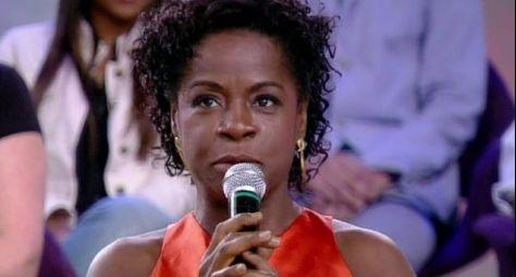 """Elenco: Zezeh Barbosa é a nova integrante de """"Verão 90"""""""