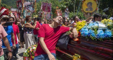 Tá no Ar: Um festivo cortejo de despedida