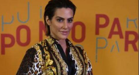 """""""Cleo Pires nunca fez teste para qualquer papel de Éramos Seis"""", afirma Globo"""