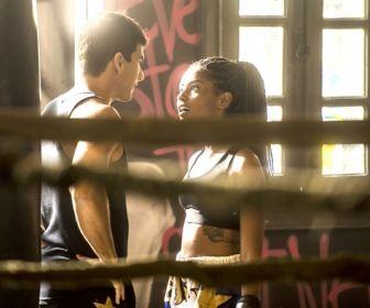 Toda Forma de Ama: Jaqueline e Daniel iniciam romance na ONG