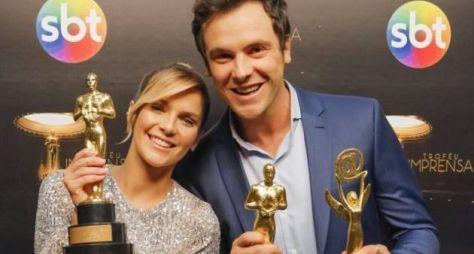 Isabella Santoni e Sérgio Guize gravam o Troféu Imprensa do SBT