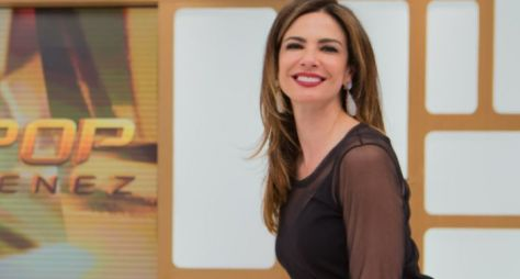 Luciana Gimenez recebe Carlos Alberto de Nóbrega no Superpop