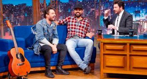 Fernando e Sorocaba falam sobre namoro e novo álbum no The Noite