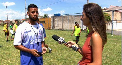 """O sonho da profissionalização no futebol é pauta do """"Profissão Repórter"""""""