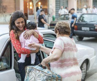 A Dona do Pedaço: Maria da Paz dá à luz Josiane e inaugura a sua primeira loja