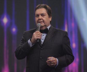 """""""Parar de trabalhar, nem pensar"""", avisa Fausto Silva"""