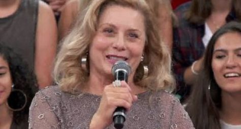 """Como apresentadora de TV, Vera Fischer participa da série """"Assédio"""""""