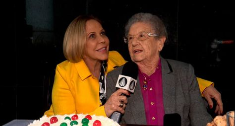 Palmirinha Onofre faz 88 anos e ganha homenagem de Claudete Troiano