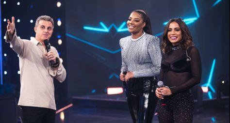 "Anitta e Ludmilla gravam performance ao vivo de ""Onda Diferente"""