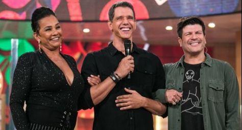 Domingo é dia de música com Paulo Ricardo e de risadas com Solange Couto