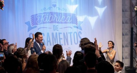 """""""Fábrica de Casamentos"""" faz noiva 'voar' em festa celestial neste sábado"""
