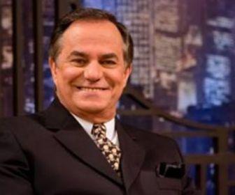 Demitido da TV Gazeta, Ronnie Von negocia com outras emissoras