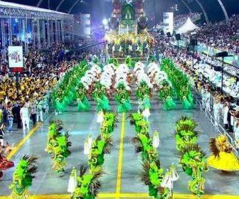 Record TV estaria interessada na exibição dos Desfiles das Escolas de Samba