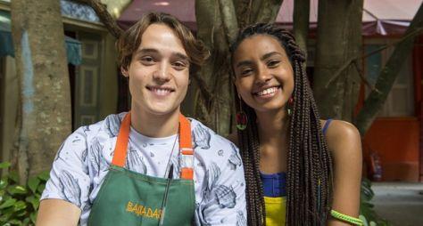 """Jaqueline e Thiago iniciam relacionamento em """"Malhação: Toda Forma de Amar"""""""