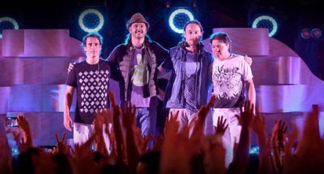 """""""Música na Band"""" exibe show do grupo Falamansa"""
