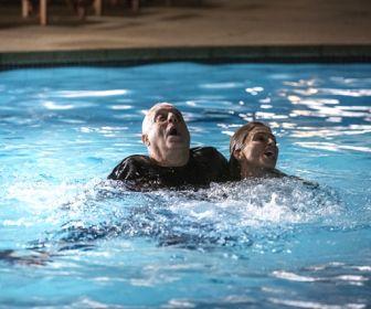Bom Sucesso: Paloma salva a vida de Alberto de afogamento