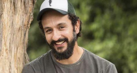 """Globo convida cantora para ser par romântico de Irandhir Santos em """"Amor de Mãe"""""""