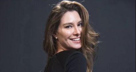 "Lavinia Vlasak revive personagem Natasha em ""Bom Sucesso"""