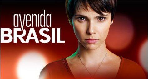 Por uma semana, Por Amor e Avenida Brasil serão exibidas juntas