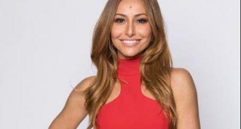 Record TV mantém o Domingo Show, sob comando de Sabrina Sato