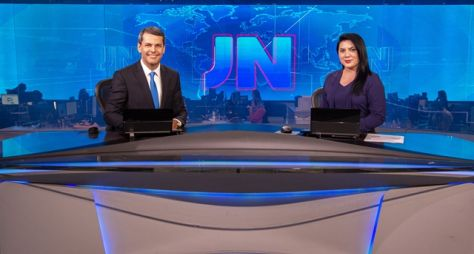 Fábio William, do DF, e Ellen Ferreira, de Roraima, apresentam o JN