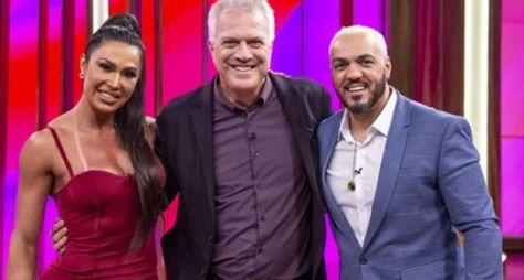 """Conversa com Bial"" recebe o casal Belo e Gracyanne Barbosa"