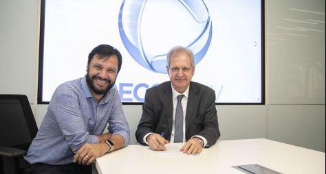 Grupo Record contrata o jornalista Augusto Nunes
