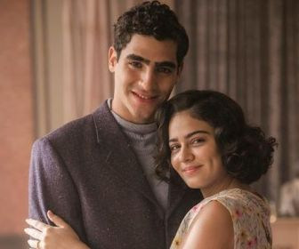 """Giullia Buscacio e Jhona Burjack gravam cenas de """"Éramos Seis"""""""