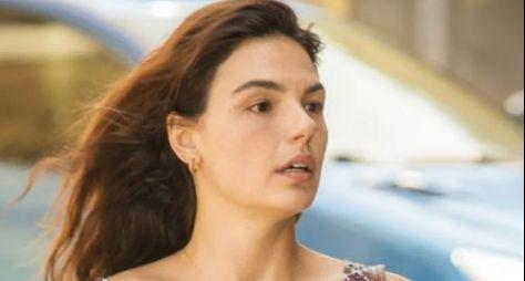 """Em """"Amor de Mãe"""", Isis Valverde será a enfermeira e sofrerá agressão do marido"""