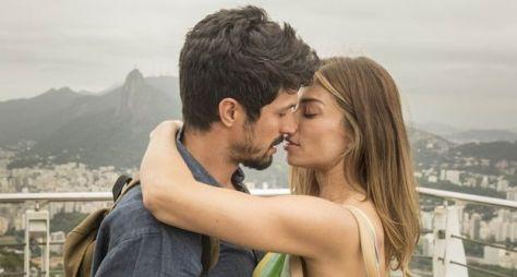 Bom Sucesso: Paloma e Marcos se beijam no Pão de Açúcar