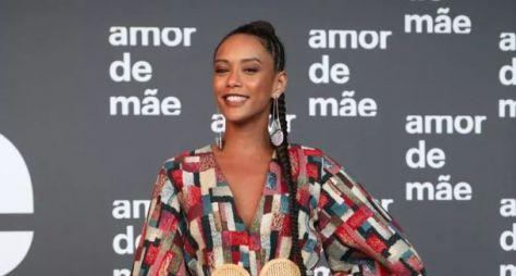 Elenco de Amor de Mãe se reúne em lançamento da novela