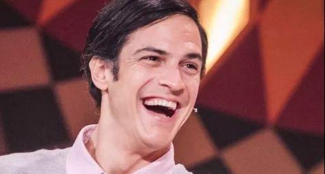 "Mateus Solano defenderá religioso no último capítulo de ""A Dona do Pedaço"""