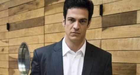 """Globo pode remanejar Mateus Solano para """"A Morte Pode Esperar"""""""
