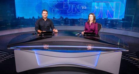 Filipe Toledo, de Alagoas, e Luzimar Collares, de Mato Grosso, apresentam o JN