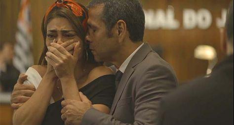 """Globo muda roteiro de """"A Dona do Pedaço"""" para amenizar """"burrice"""" da mocinha"""