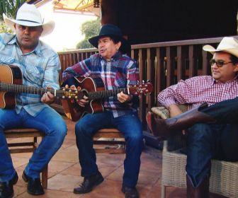Domingo Show: Geraldo Luis visita a fazenda da dupla Rionegro & Solimões