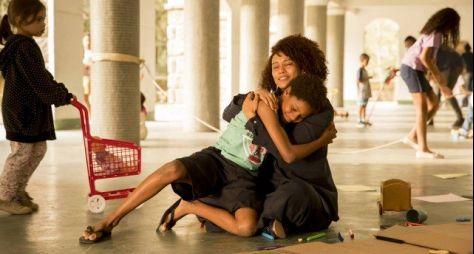 Amor de Mãe: Vitória adota criança e depois consegue engravidar