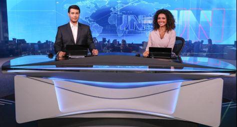 Giovanni Spinucci, do Maranhão, e Aline Aguiar, de Minas Gerais apresentam o JN