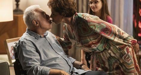 Bom Sucesso: Vera beija Alberto