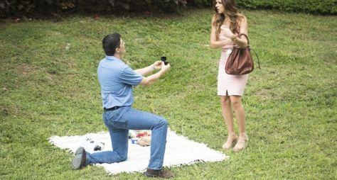 Toda Forma de Amar: Marco Rodrigo surpreende Carla com anel de casamento