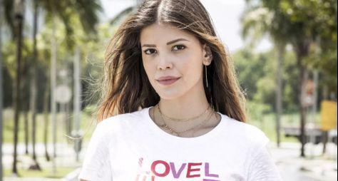 """Vitória Strada caracterizada para a novela """"Salve-se Quem Puder"""""""