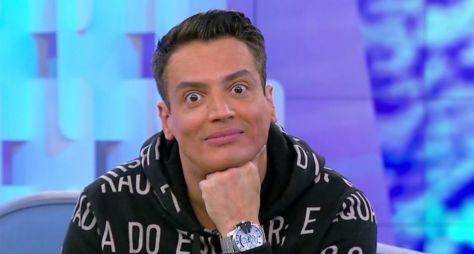 Léo Dias troca o SBT pela RedeTV!; detalhes do contrato serão revelados na terça