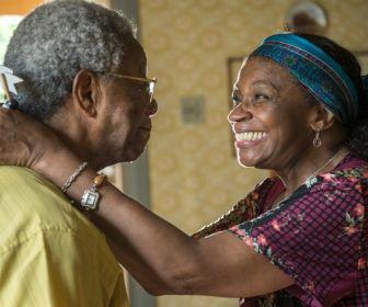 """""""Estou emocionada com um especial de Natal com atores negros"""", diz Zezé Motta"""
