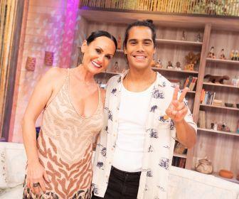 """Micael Borges relembra parceria com Anitta: """"Sou grato por tudo"""""""