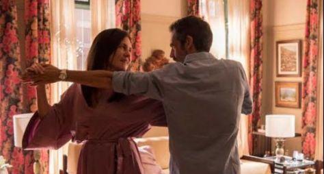 Amor de Mãe: Thelma dá chance ao amor e conhece Gabo