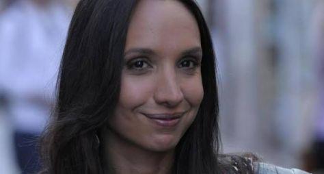 Filha do diretor Wolf Maya estreia em novelas da Record TV